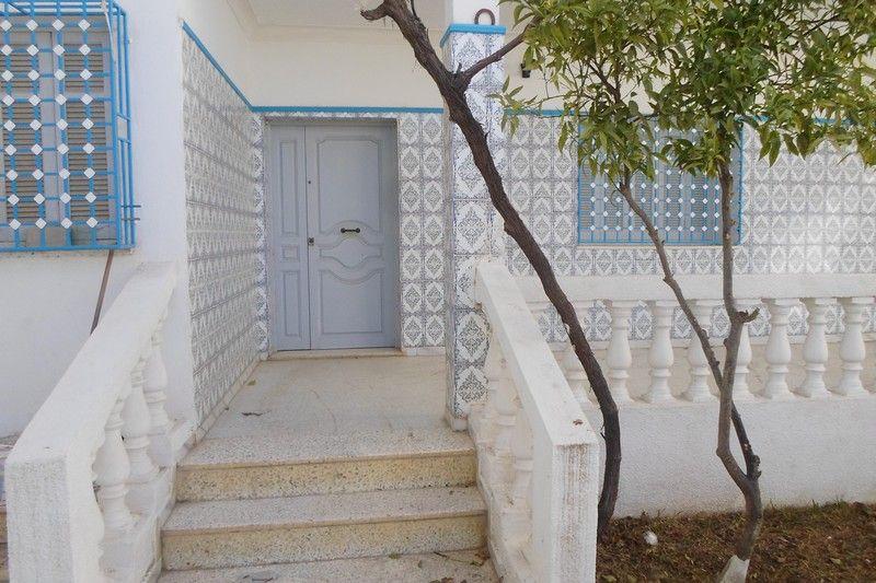 maison sur 3 niveaux proche sud hammamet vente maison hammamet. Black Bedroom Furniture Sets. Home Design Ideas