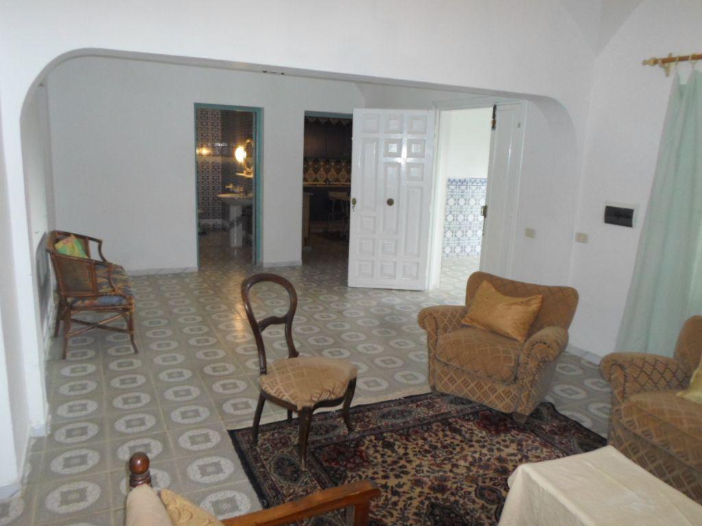 Al agr able maison de campagne 500 dt par mois location for Chambre a coucher 9libia