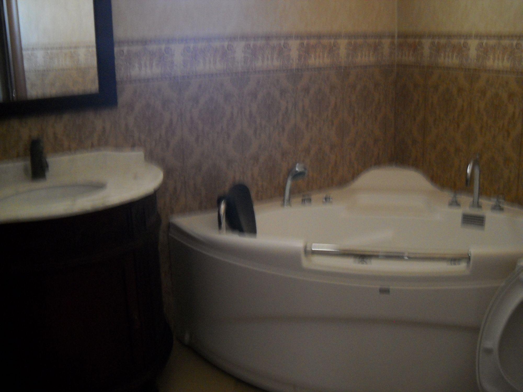 appt c t carrefour meubl s 2 1200dmois tel location appartement cit afh. Black Bedroom Furniture Sets. Home Design Ideas