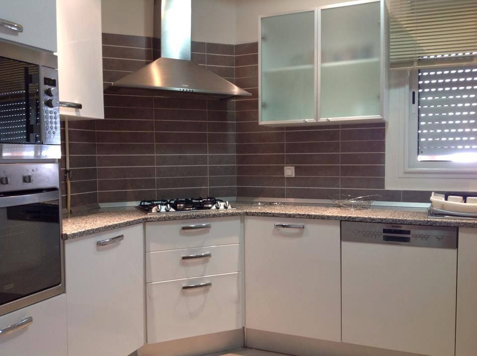Appartement tr s haut standing meubl ain zaghouan nord for Carrelage tunisie gabes