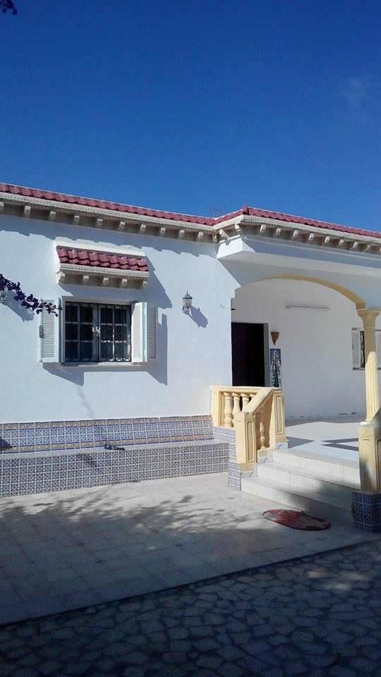 Tr s belle villa au centre de zarzis vente maison zarzis for Chambre a coucher zarzis