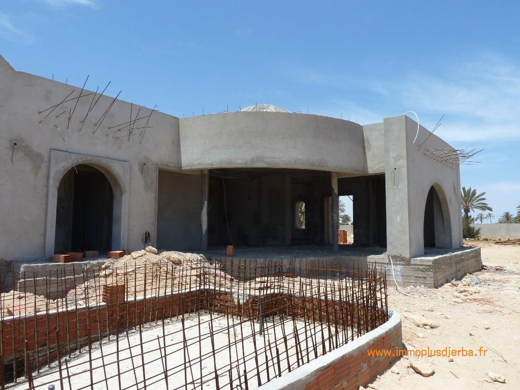 Vente djerba tunisie maison neuve avec piscine vente for Baisser le prix d une maison