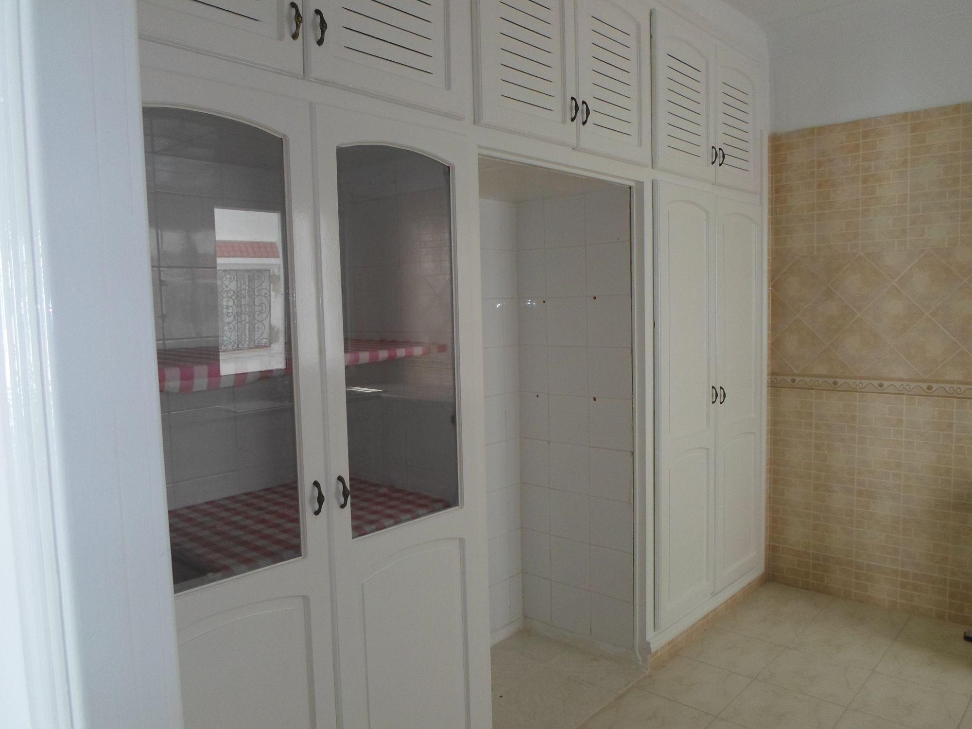 Al jolie appartement 1er tage non meubl hammamet c t for Meuble bureau nabeul