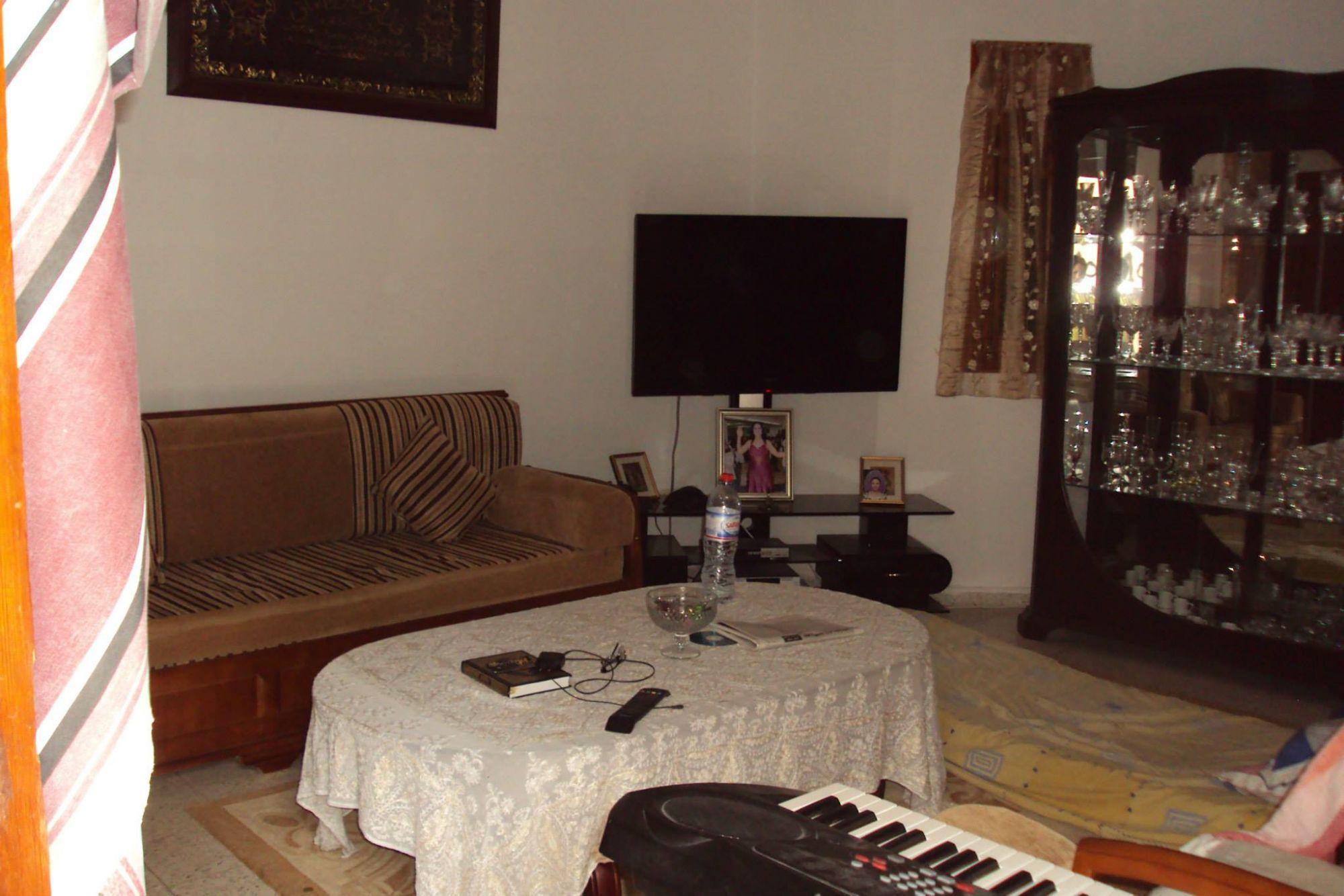 Une villa ksar said vente villa ksar said for Salon 9a3da 3arbi