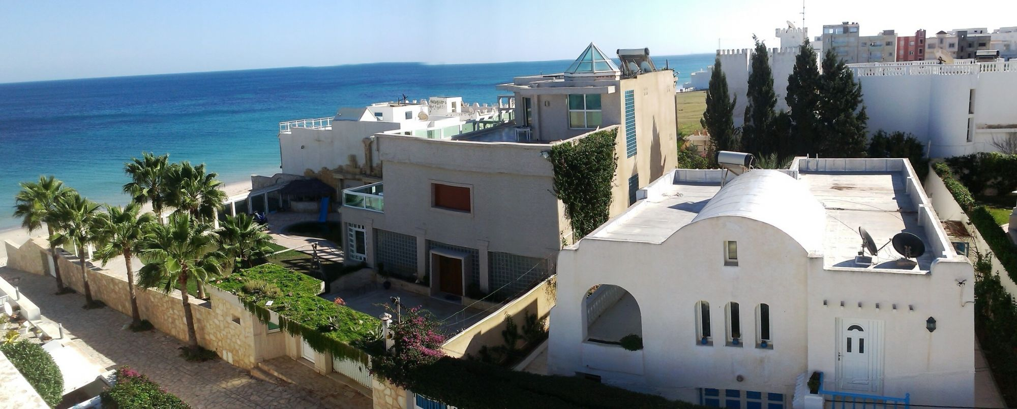 Ground floor of a villa 30 meters off the beach location for Maison traditionnelle tunisienne