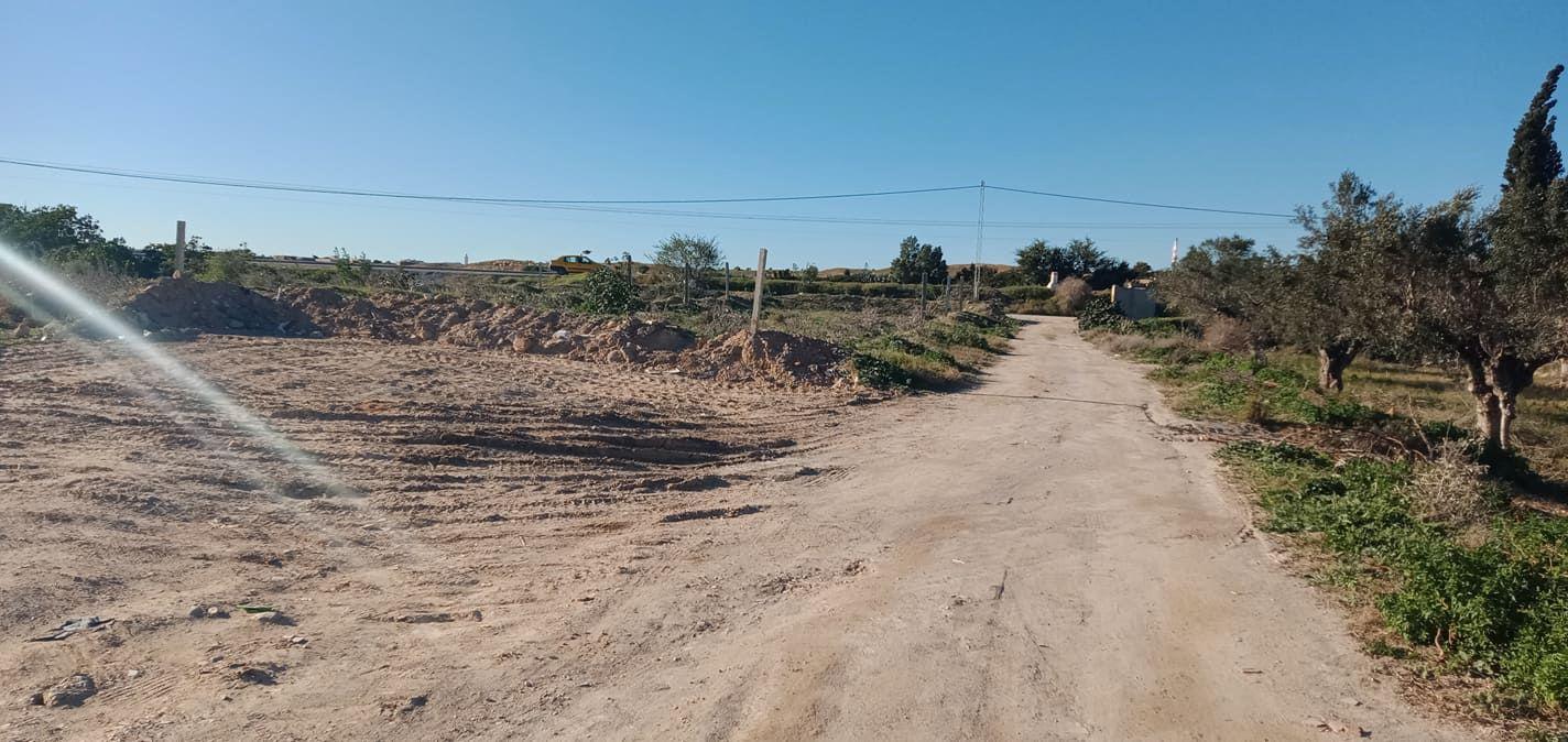 Prés de la route g baraket essahel terrain de 250m