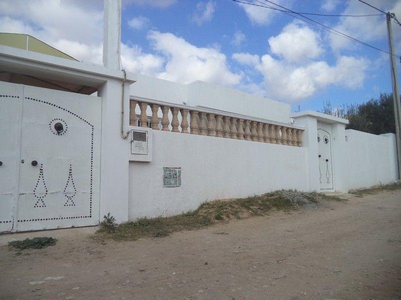Villa de 400 pas loin de hammamet yasmine