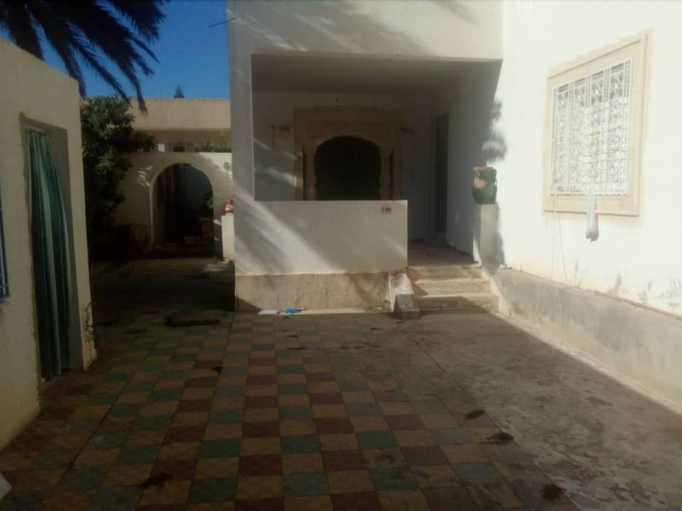 Endre a plage beni khiar une grande maison sur terrain de 600m