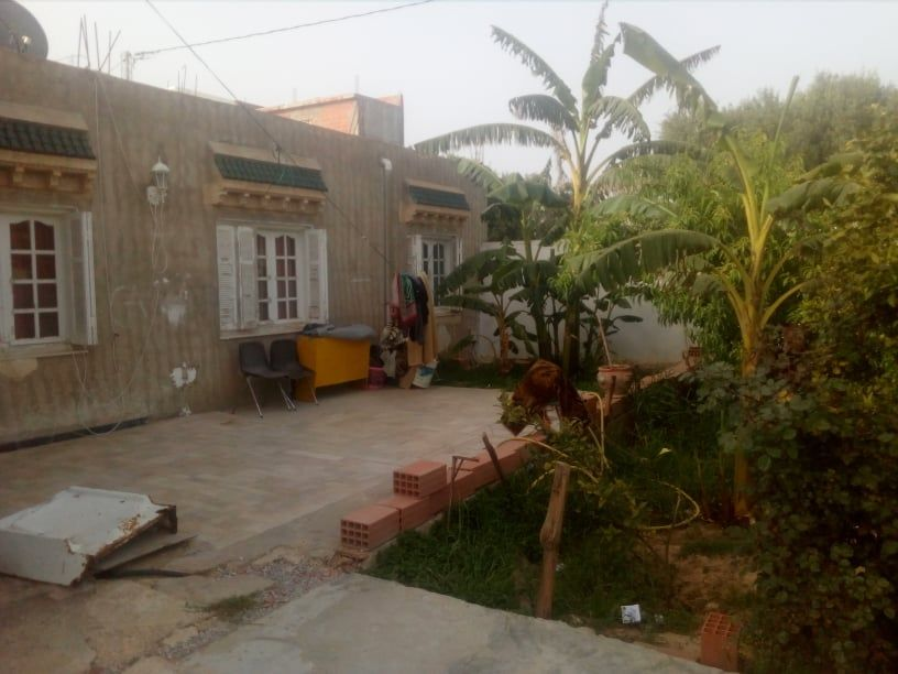 Villa route bir bouragba  avec grand jardin et garage
