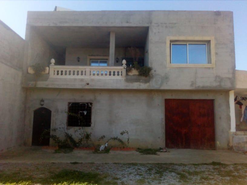 Deux étages maison dans la compagne centre ville nabeul