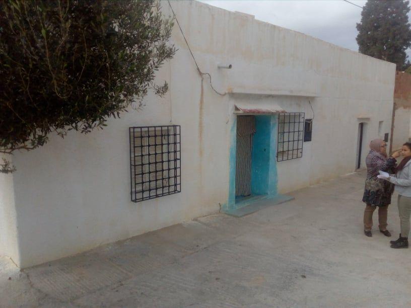Hamamet nord prés de la route ceinture une maison arabe sur terr