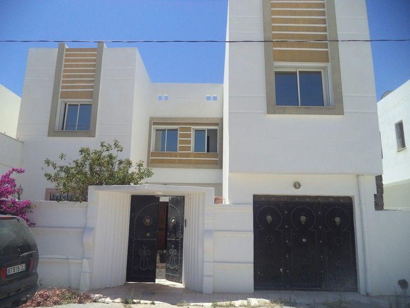 Villa +2 appartements à hammamet sud