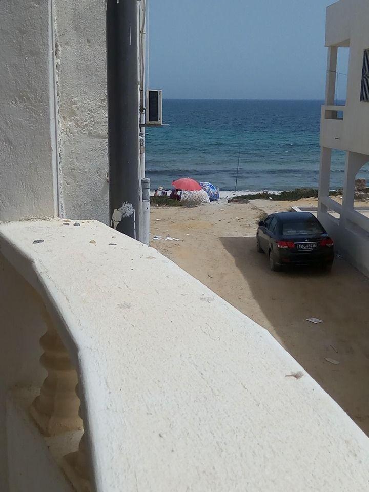 Maison pieds dans l'eau à kélibia