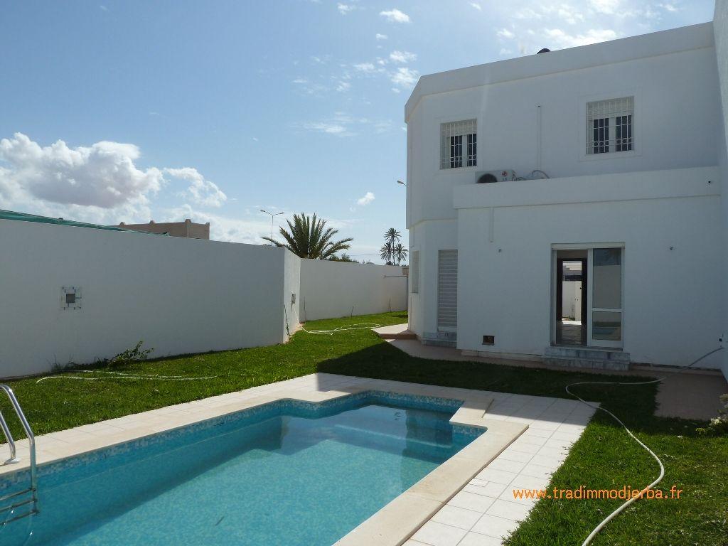 Achat villa avec piscine djerba en tunisie vente villa for Piscine achat