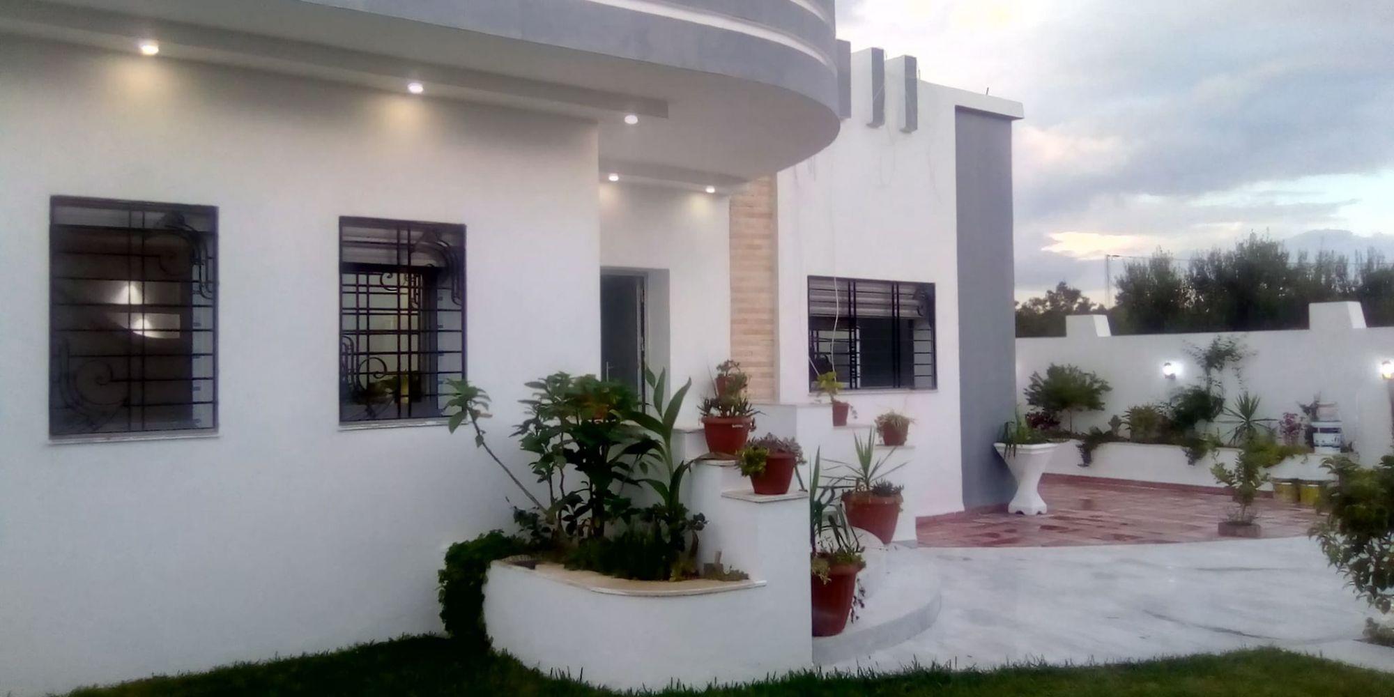 A vendre une belle villa jamais habitée profitez