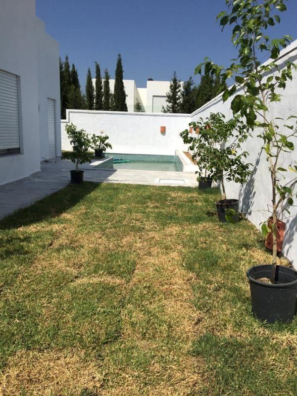 Villa jihen 2réf:  location annuelle yasmine hammamet
