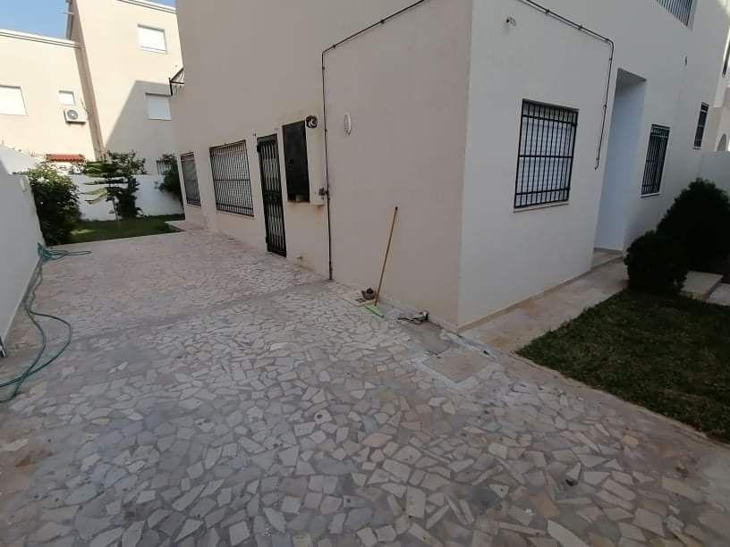Villa triplex s+4 avec jardin