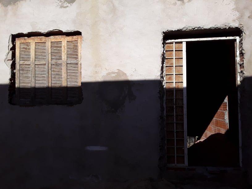 Une maison inachevée a besbassia g