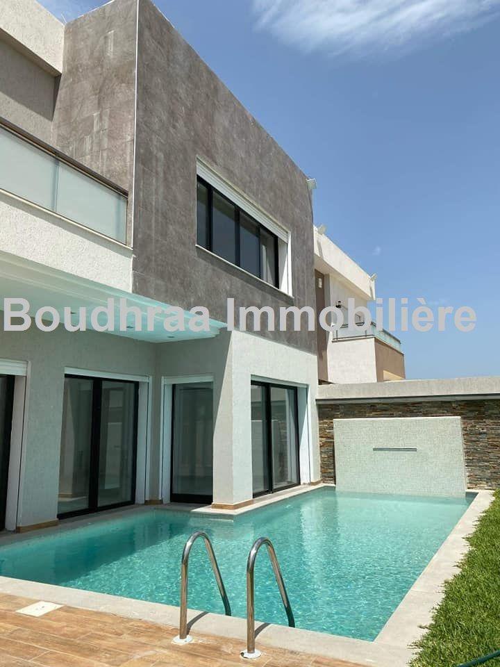 A vendre belle villa à la soukra