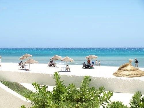 Terrain au bord de la plage hammam el ghezaz