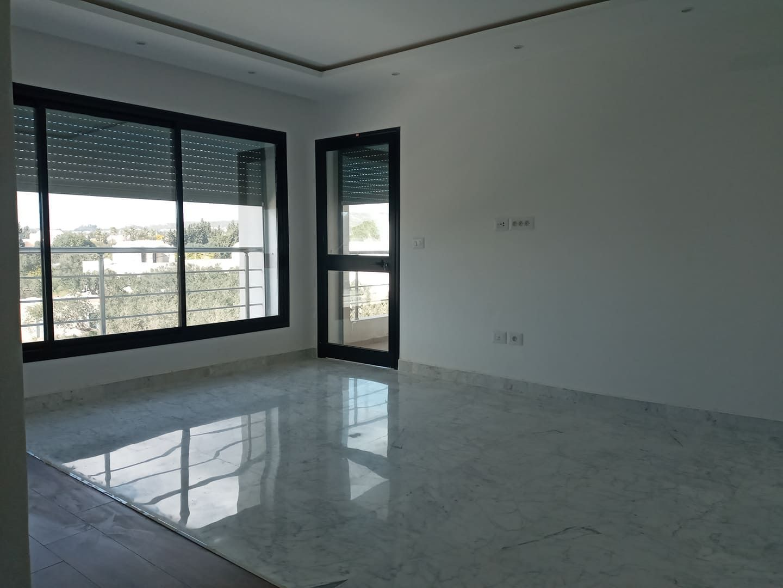 Un appartement s+2 neuf à vendre