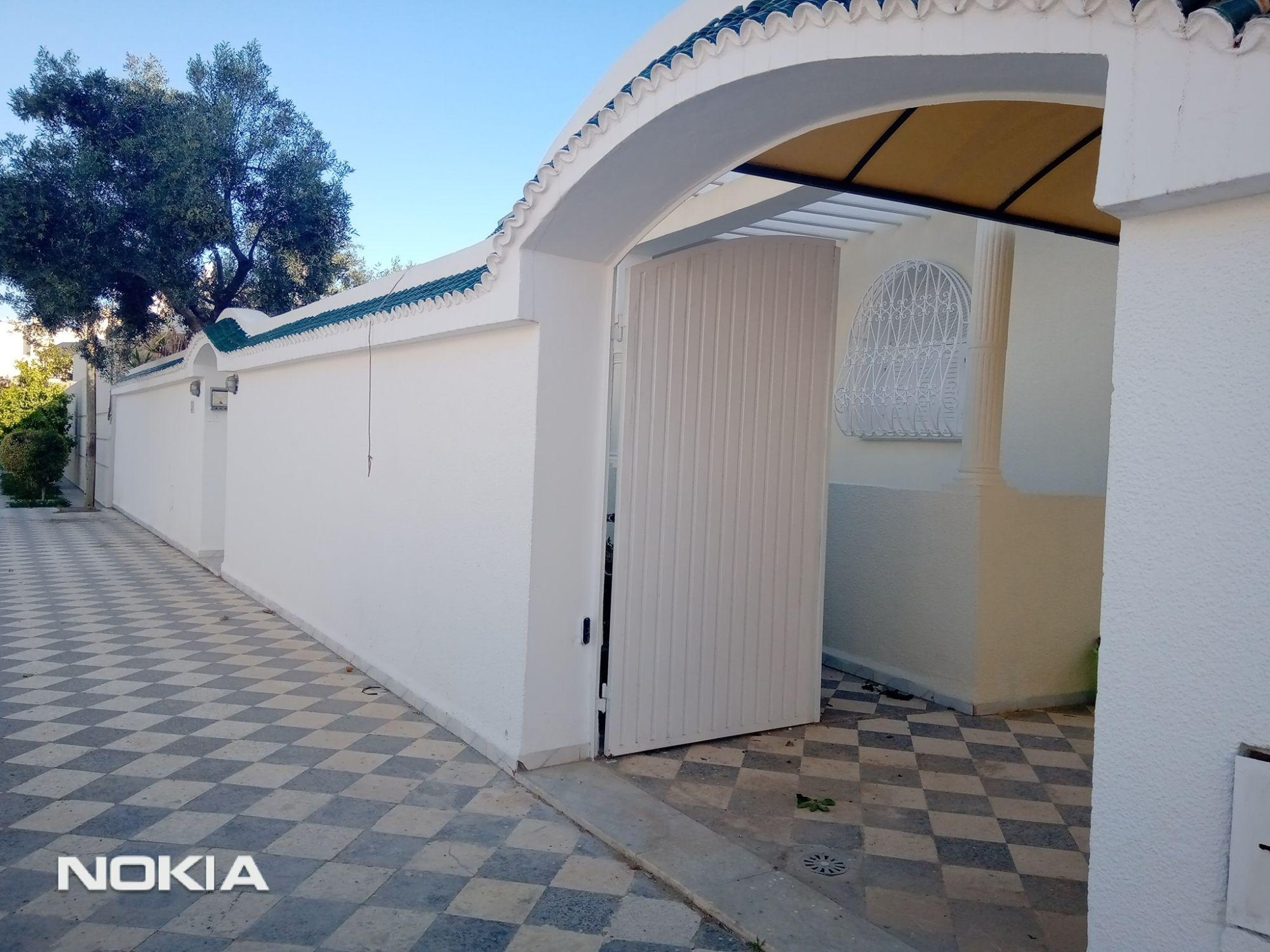 Une coquette villa plein pieds et indépendante a khzema est