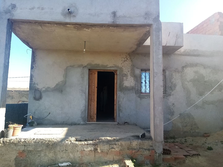 Av une maison inachevée a sidi hammedddd ra