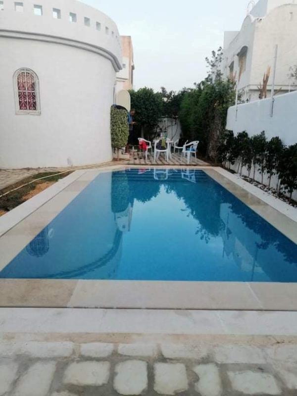 Maison feninaréf: villa avec piscine