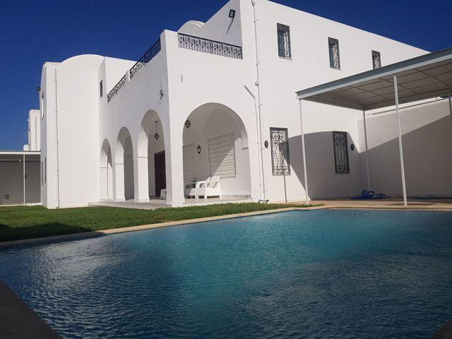 Villa cyliaréf: location