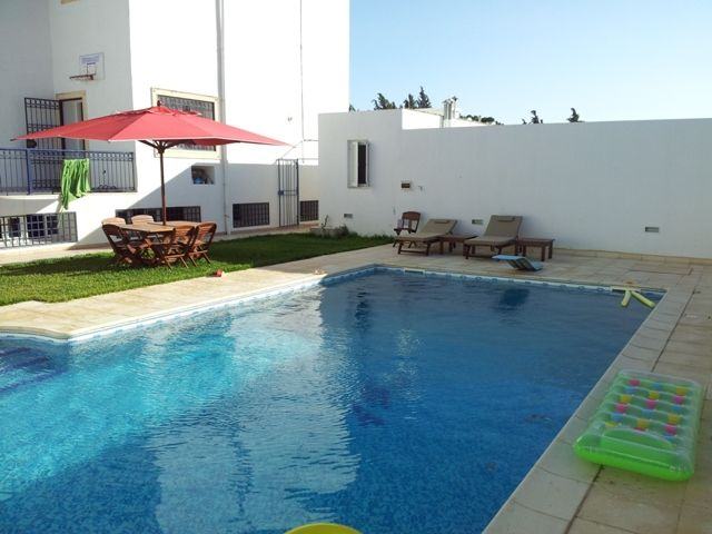 Dar nejma réfdar nejmaréf:  villa avec piscine