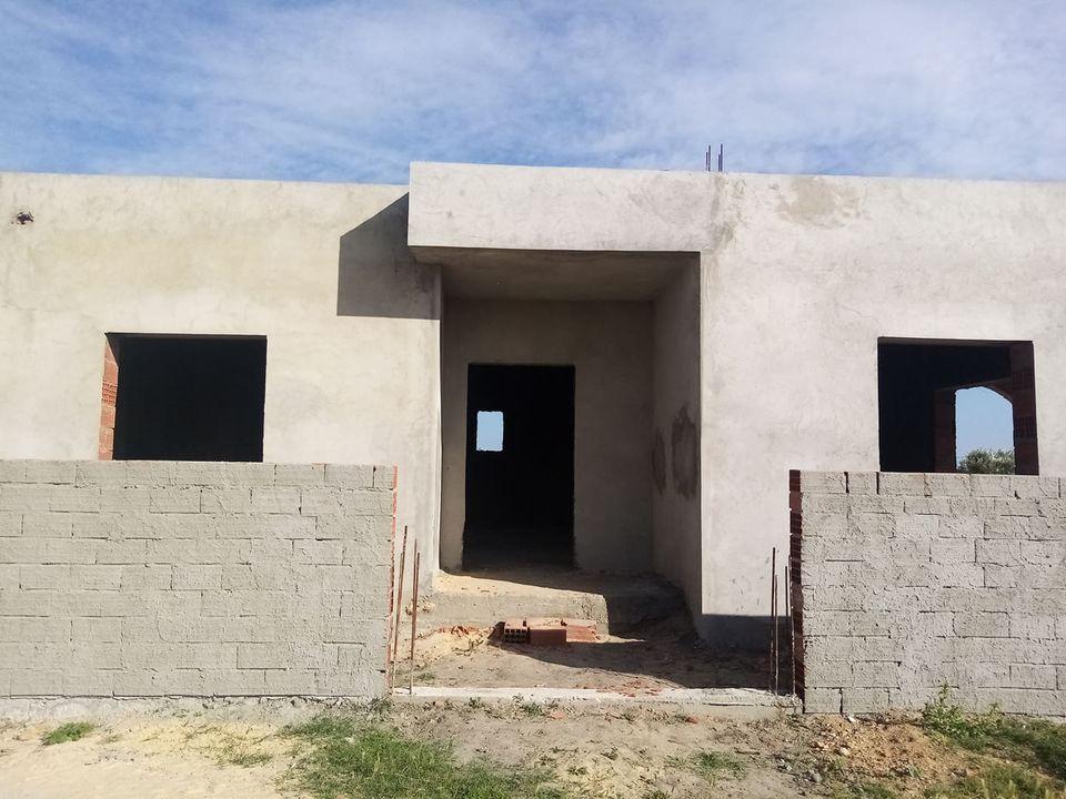 Une grande maison inachevée à hammamet sud b