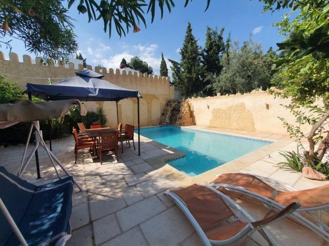 Villa anghamréf:  location estivale hammamet