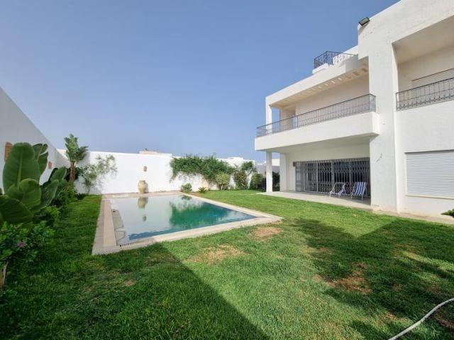 Villa romeo réfere villa avec piscine