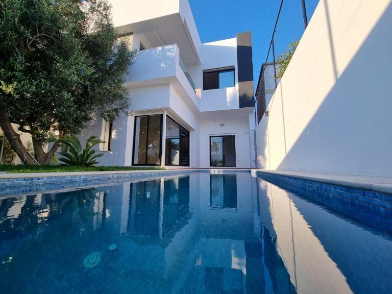 Villa mira réf:  villa avec piscine