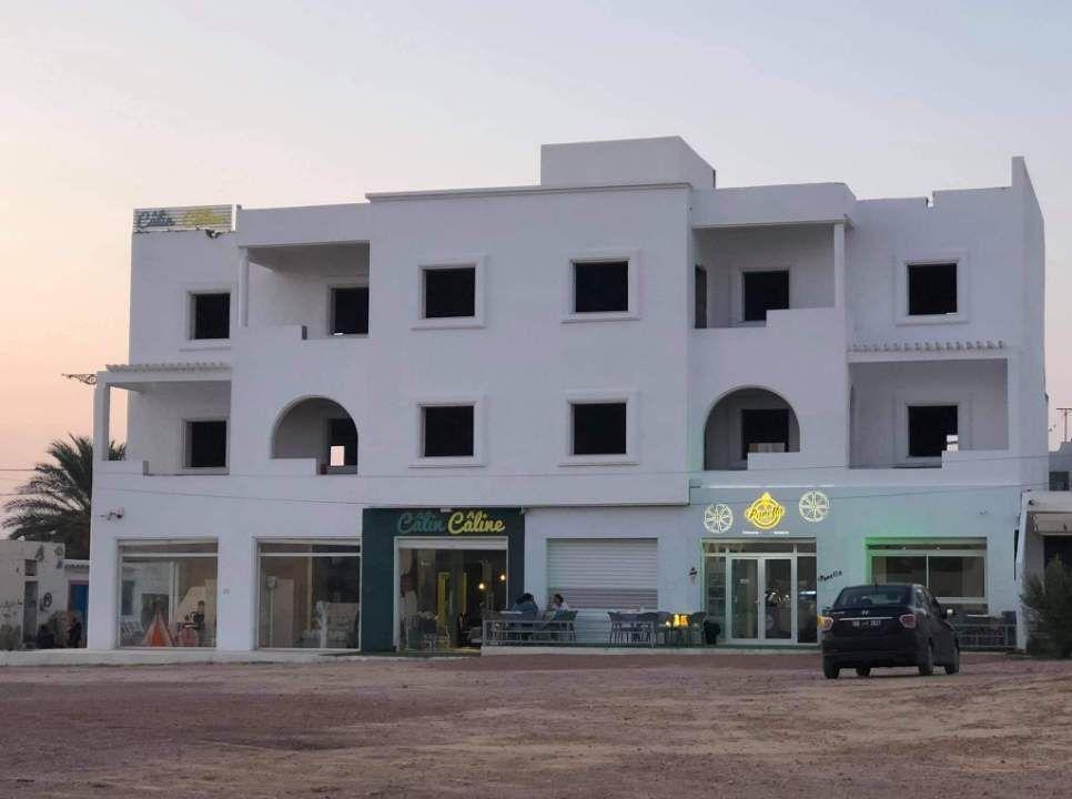 Un nouvel immeuble de 820m² au centre ville de houmet souk route