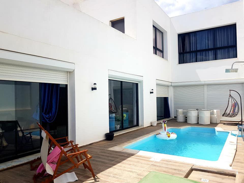 Villa style contemporain zone craxi