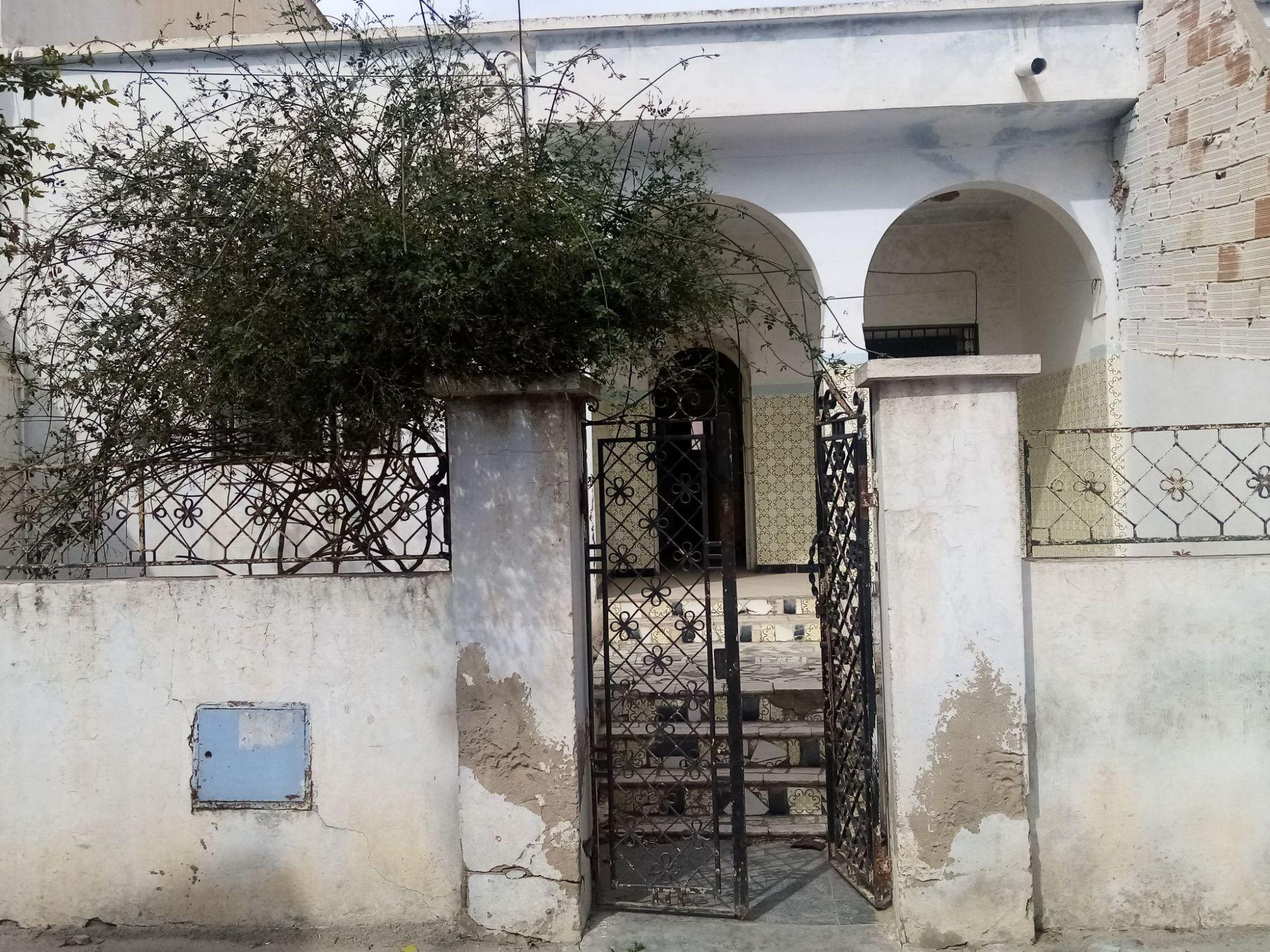 Av une belle maison style arabesque à centre ville hammamet n