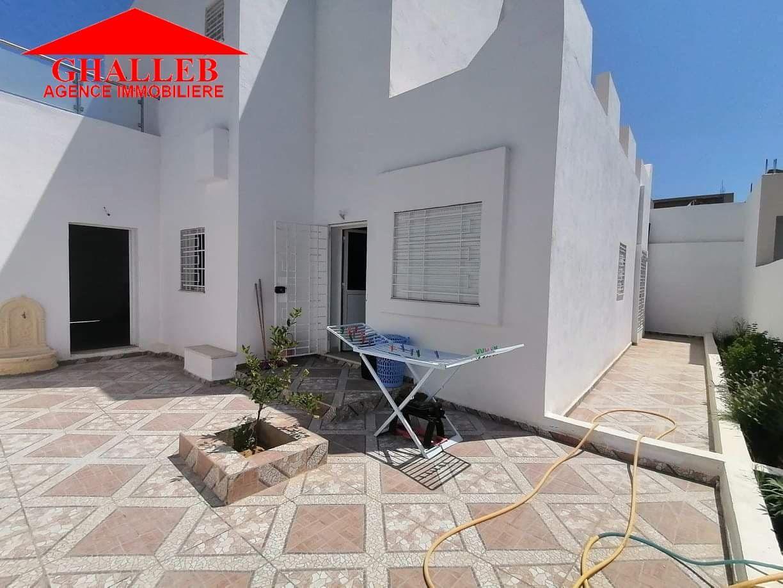 Av une villa style duplex à hammamet sud m
