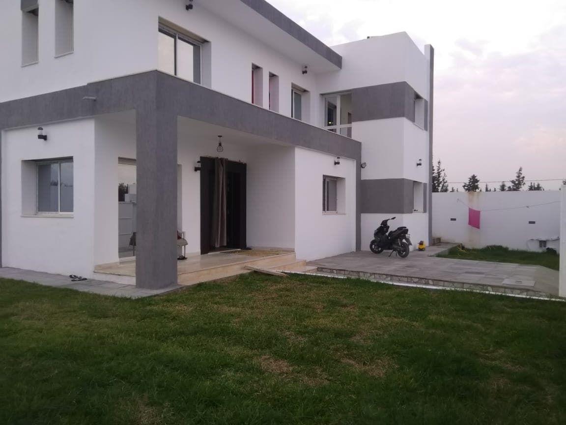 Av une villa style duplex à hammamet sud ma