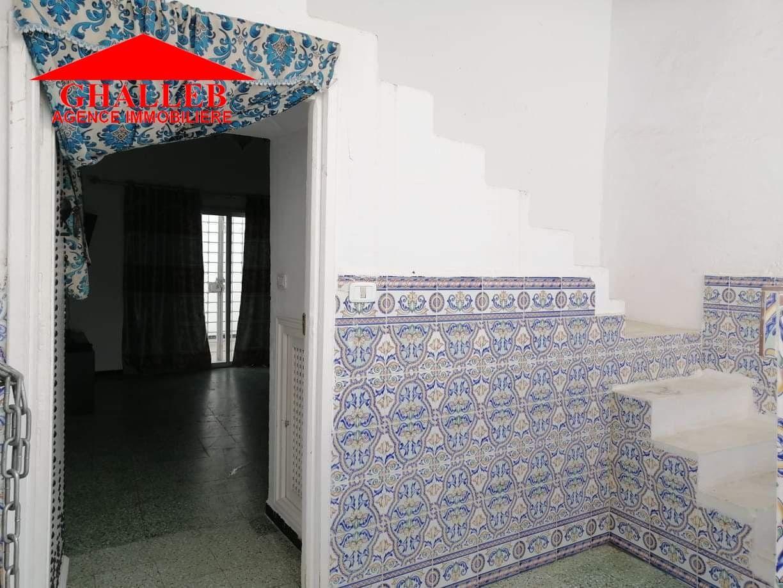 Une maison arabe situé a hammamet g