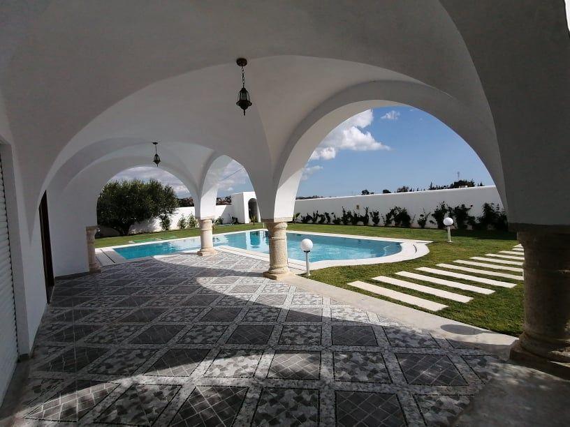 Av une belle villa avec piscine à hamammet sud mm