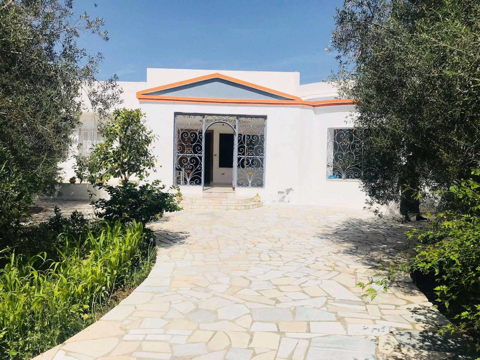 Une agréable maison à vendre à la compagne de hammamet nord b