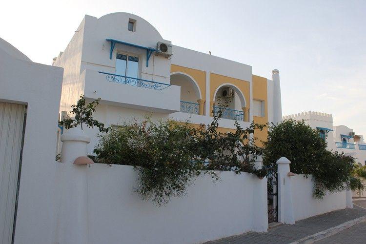 Maison vendre djerba tunisie villa el manara vente for Architecture tunisienne maison