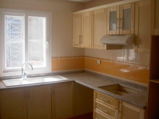 Appartement louer tunis berges du lac location for Cuisine pour petit appartement