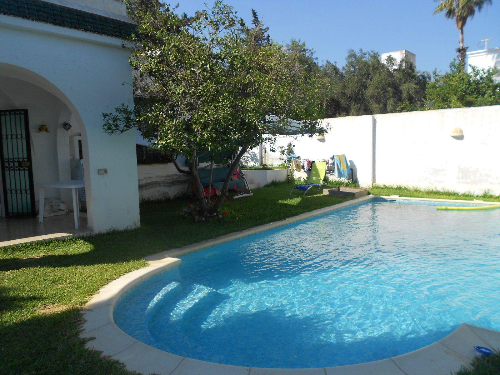 Al villa avec piscine hammamet nord location villa for Appartement a louer a barcelone avec piscine