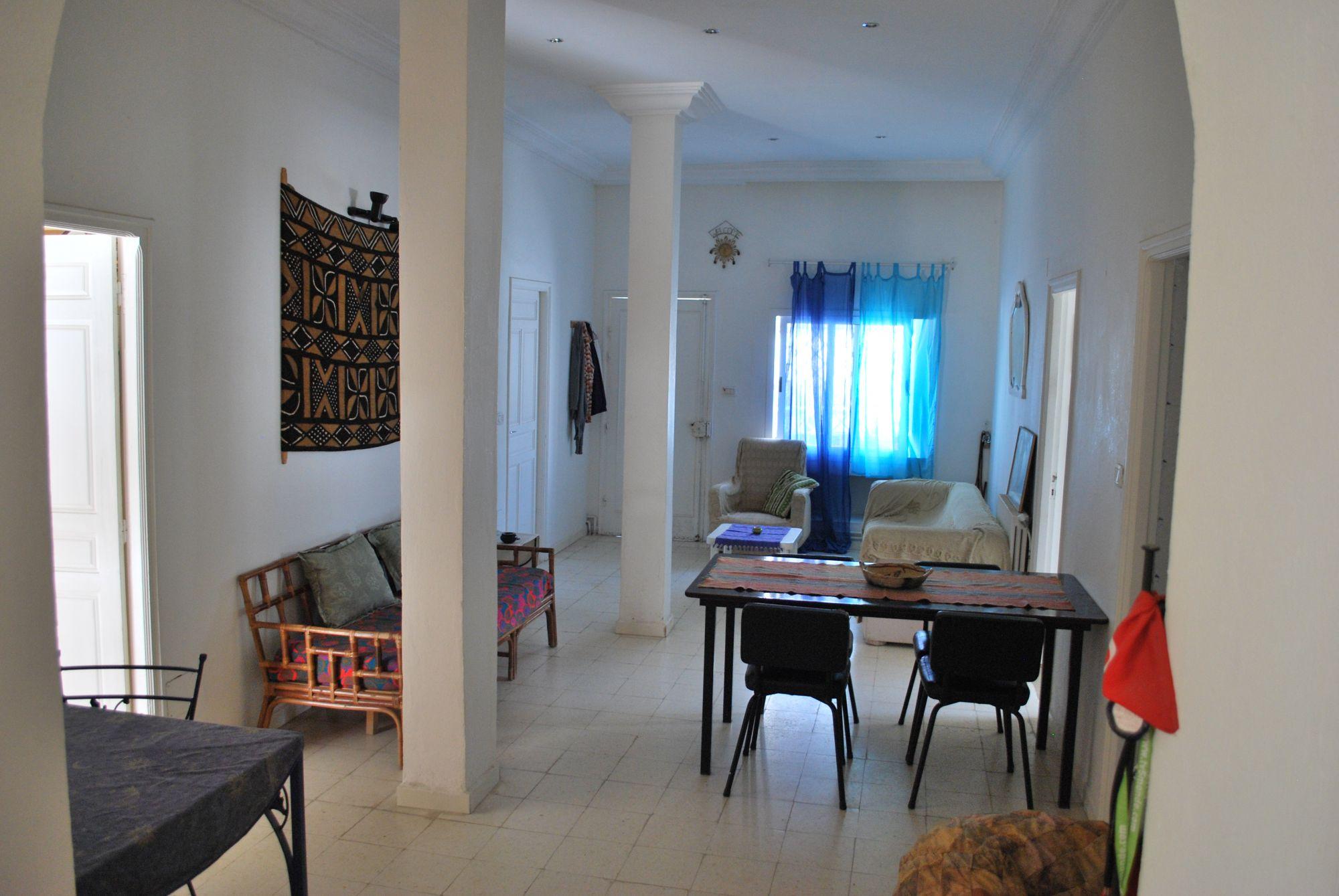 Cherche partager maison colocation maison marsa safsaf for Cherche maison