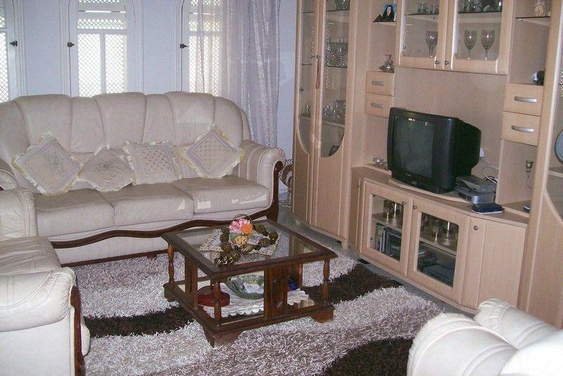 Appartement au 2éme étage emplacement idéale