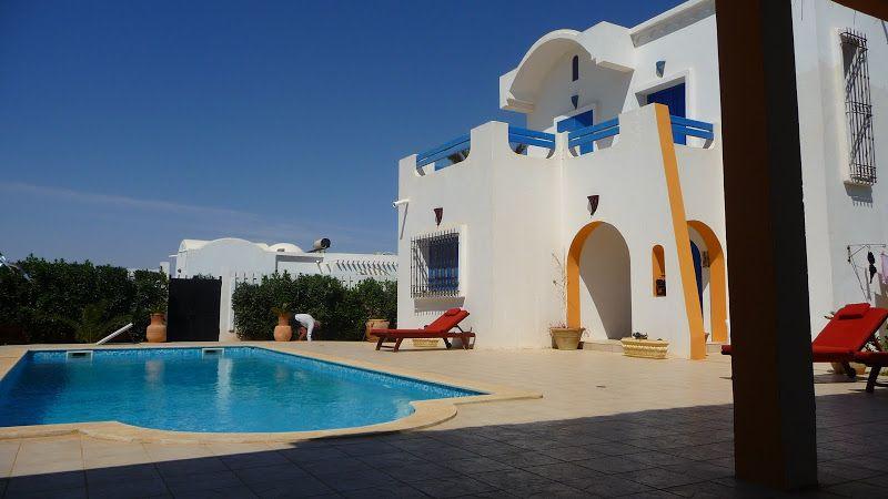 Acheter à djerba votre villa avec piscine proche plage