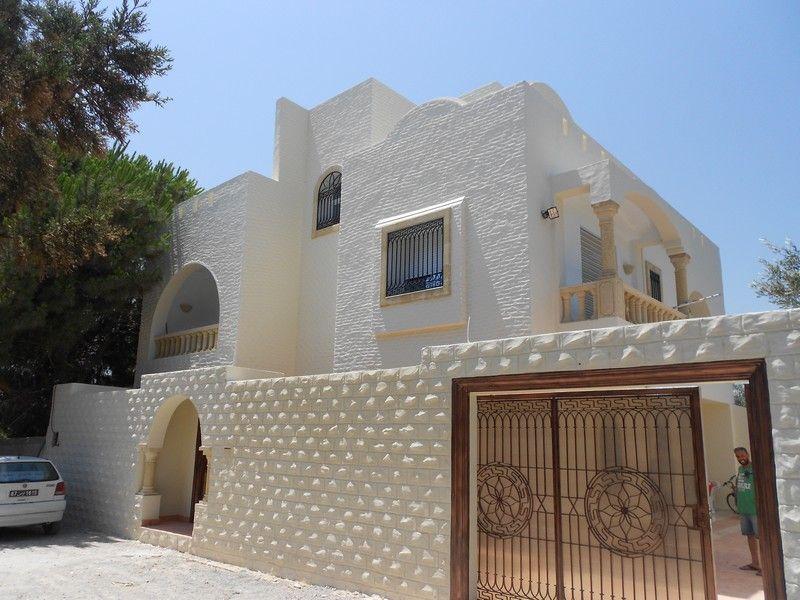 Av une belle villa style am ricain hammamet vente maison hammamet for Plan de maison style americain