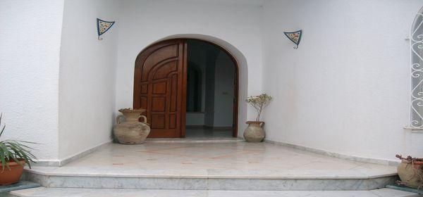 rez de chauss d 39 une villa kantaoui location maison. Black Bedroom Furniture Sets. Home Design Ideas
